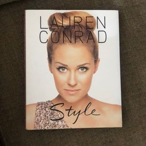 Lauren Conrad book